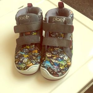 Boys size 12 PLAE sneakers